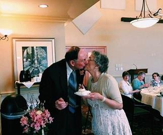 Prom couple marry 64 years after first high school dance