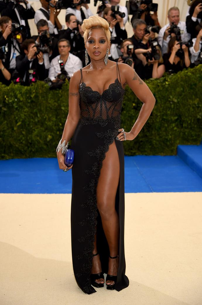 Mary J. Blige in La Perla Haute Couture