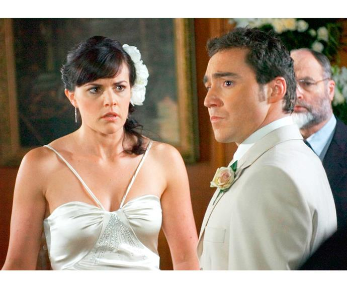 **Sarah & Andrew: August 24, 2005**   Mere minutes after Sarah Potts (Amanda Billing) and Andrew Solomon (Paolo Rotondo) tied the knot, their marriage crumbled. Just as they had finished reciting their vows, bad girl Robyn Stokes (Kirstie O'Sullivan) waltzed in and announced she was pregnant with the groom's twins following an affair.