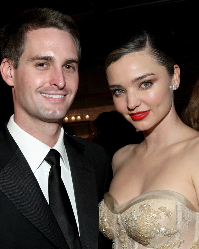 Miranda Kerr shows off her wedding ring