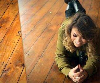 Singer-songwriter Kylie Price wants to open for Ed Sheeran when he plays in Dunedin next year.