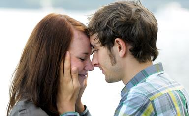 5 ways social media can ruin your relationship
