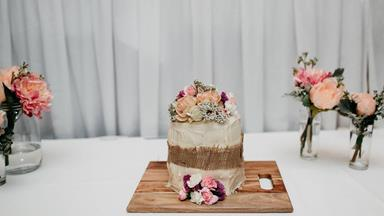 The supermarket cake that saved this wedding day