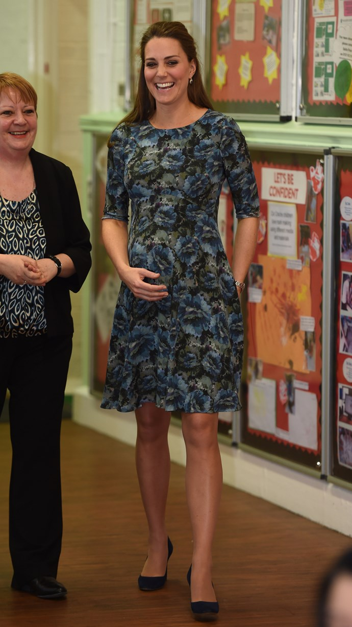 The royal showed off a great pattern yet again as she visited the Cape Hill Children's Centre in 2015, when she was pregnant with Princess Charlotte.