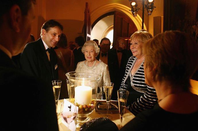 Liz Dawn with Queen Elizabeth IIat the ITV 50th Anniversary celebration in 2005.