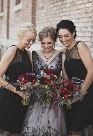Halloween-themed wedding ideas