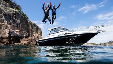 Kiwi dad and teenage daughter make global splash with marine wildlife docos