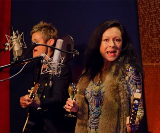 Real Housewife Anne Batley Burton to re-release Christmas song