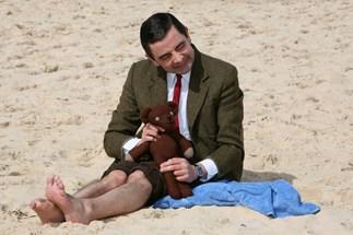 'Mr Bean' to be a dad again