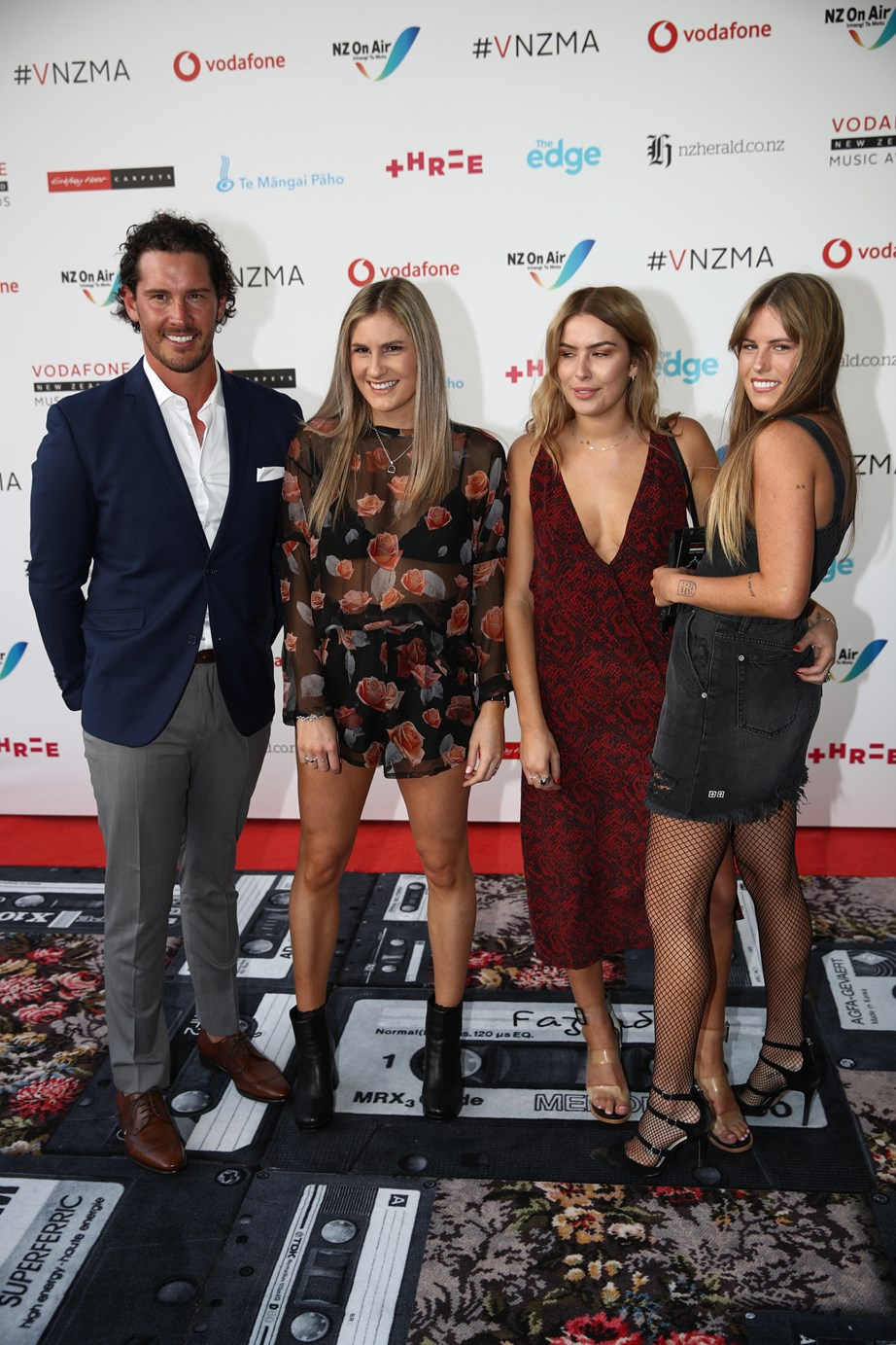 """If we were gossip girl, we would say """"Spotted. Zac Franich, Hannah, Viarni and Lily having a moment on the red carpet. 3 bachelorettes doing running-into-your-ex right. Is that a side eye we are spotting, V?"""""""