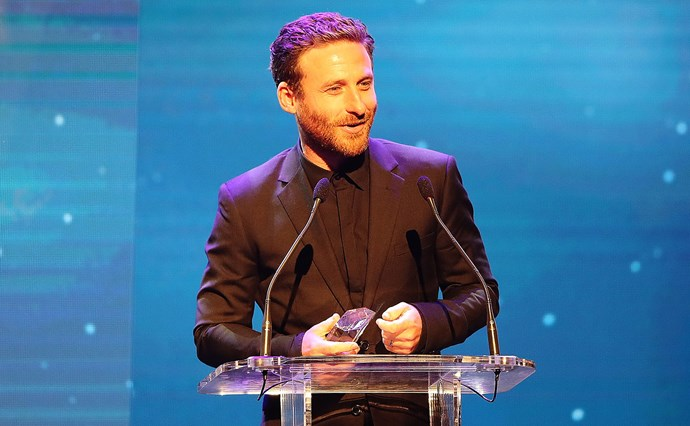 Dean O'Gorman receives his Best Actor award for his portrayal of George Lowe in Hillary. Photo / Getty Images