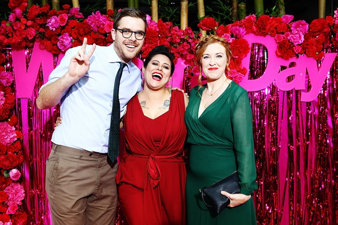 Guy Williams pulling a peace sign on the red carpet with Anika Moa and Natasha Utting.