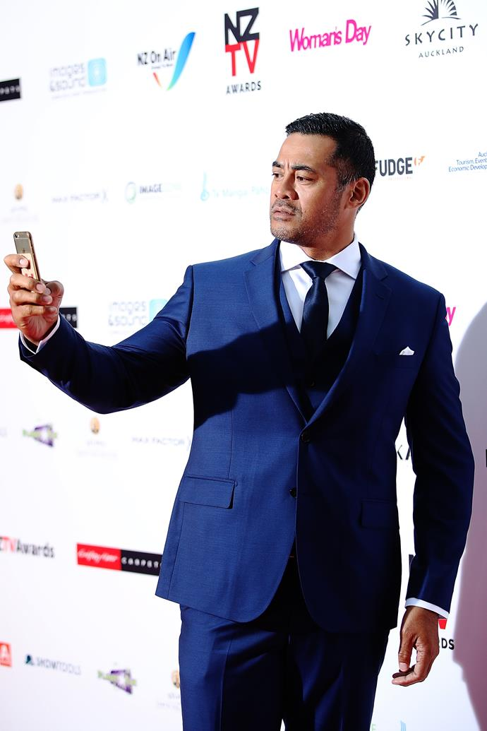 Robbie Magasiva snaps a selfie? Or is he photographing the photographers?