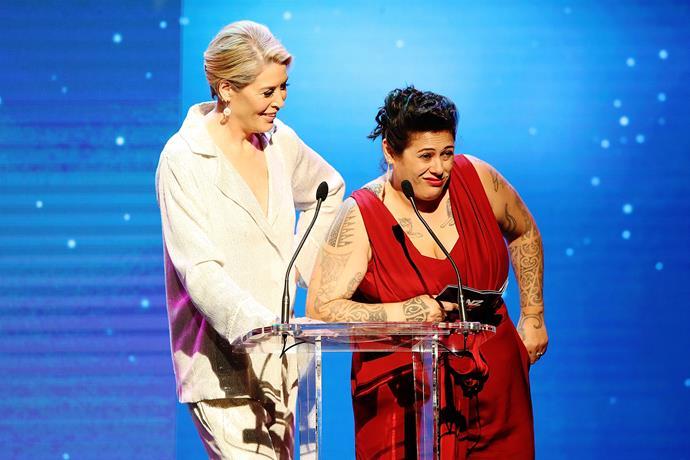 Jennifer Ward-Lealand and Anika Moa joke around as they present an award.