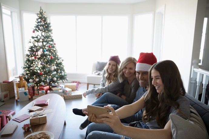 How to group Facetime ALL your family at once