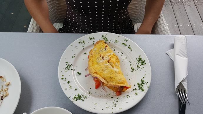 My mushroom, tomato and red onion omelette from the Quality Hotel Parnell breakfast menu. Yum!