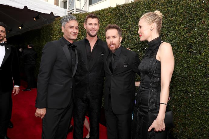 Taika with Chris Hemsworth, Sam Rockwell and Leslie Bibb.