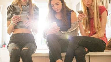 How my teenage daughter overcame her digital addiction