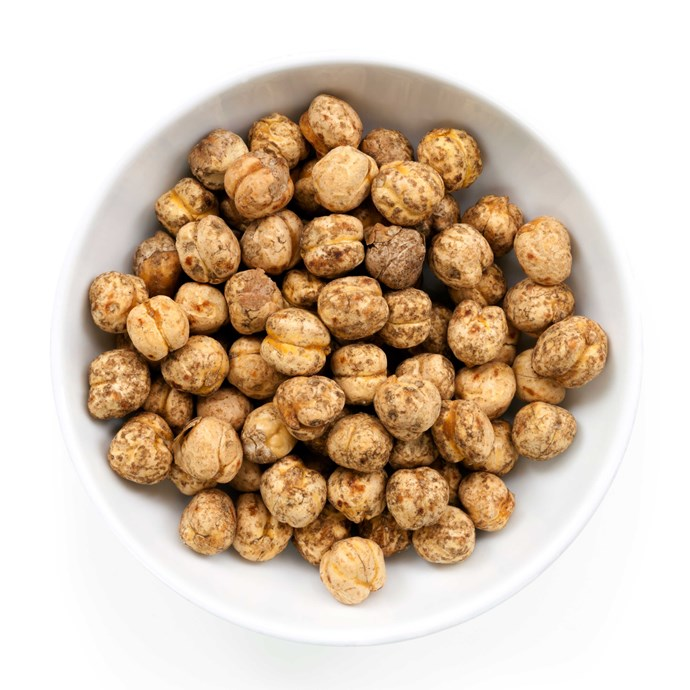 **Spicy roasted chickpeas**                                                                                                                                                                      Chickpeas are a great source of energising vitamin B and magnesium. Drizzle 1 tbsp olive oil over a can of drained chickpeas and season with salt, pepper, cumin and chilli. Bake in the oven for 40 minutes. Enjoy in handful-sized portions as a fab alternative to chips.