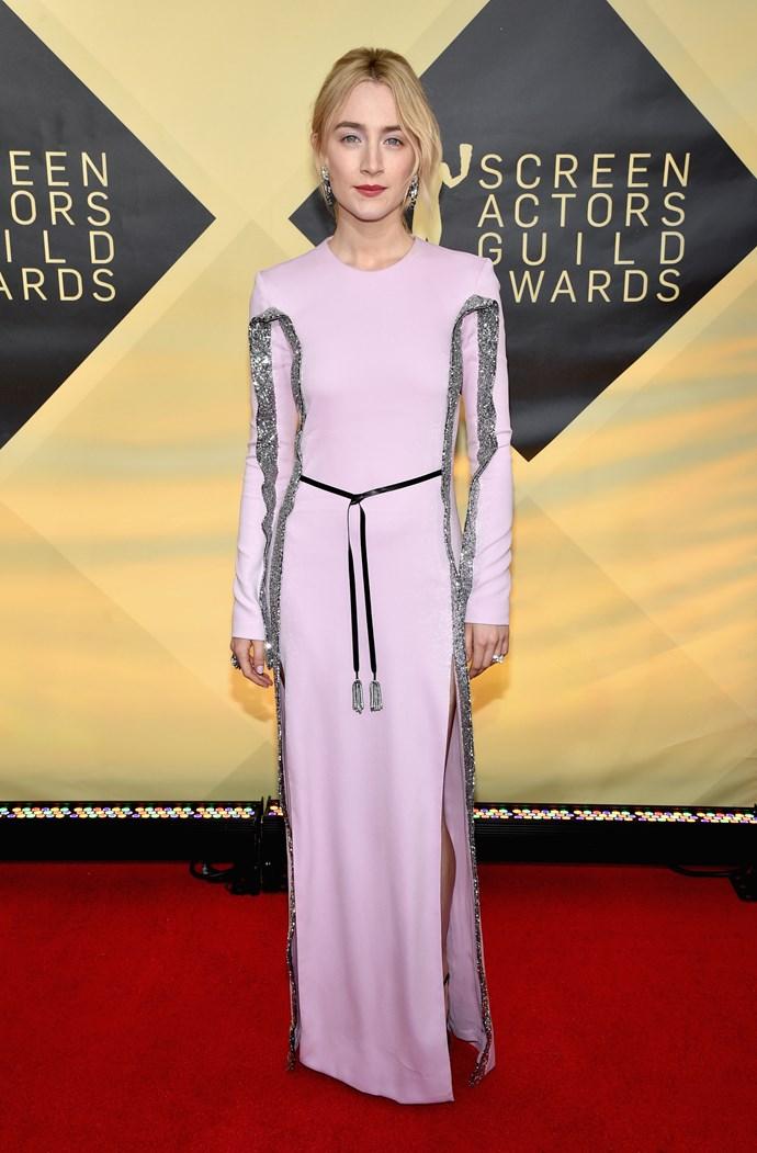 Actress Saoirse Ronan looks gorgeous in this pale pink ensemble.