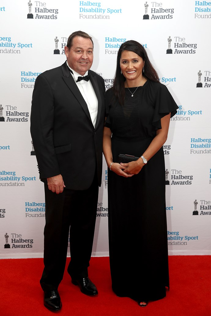 "Halberg Leadership Award winner [Steve Hansen](https://www.nowtolove.co.nz/celebrity/celeb-news/zoe-bell-directs-steve-hansen-and-all-black-stars-in-arnotts-film-33889|target=""_blank"") smiles alongside his wife, Tash Hansen."