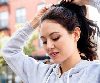 Wearing make-up at the gym: is it really bad for our skin?