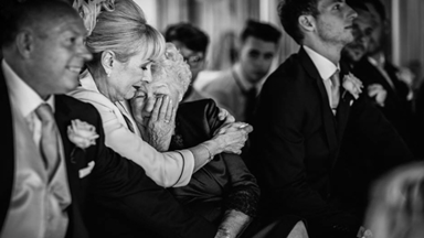 The emotional wedding photo that won an award