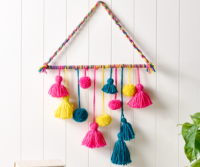 How to make tassel and pompom wall deco