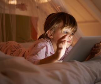 Study shows that bright light before bed plays even more havoc with kids' sleep than previously thought
