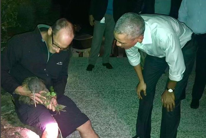 Barack Obama meets a real Kiwi on his first trip to NZ