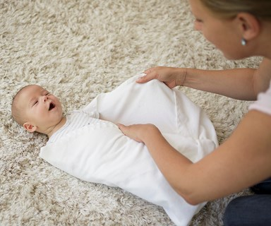 How to swaddle a baby - Kiwi baby whisperer Sharlene Poole answers your questions
