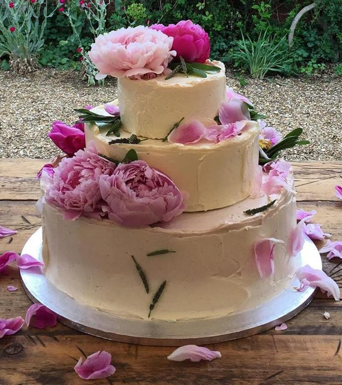 One of Izaak Adams' wedding cake creations. We're imagining something like this for Meghan and Harry's cake - albeit on a much larger scale!