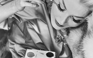 10 tips on wingtips: How to apply liquid eyeliner