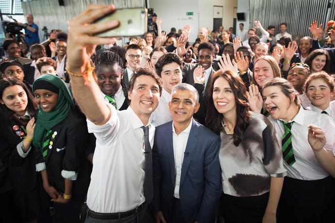 Group photo with Canadian PM Justin Trudeau, London Mayor Sadiq Khan and schoolchildren.