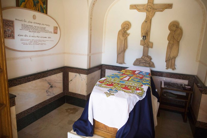 Princess Alice's  remains in the Church of St Mary Magdalene in Jerusalem.