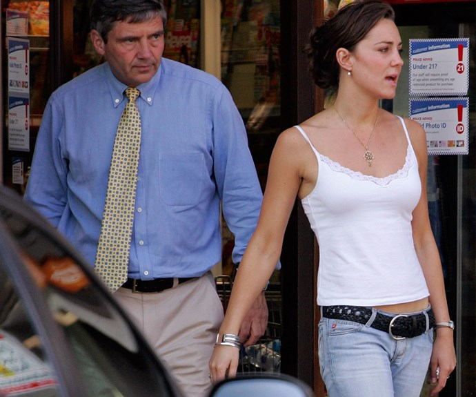 Kate Middleton looked very casual in 2005 with her dad before her graduation ceremony.