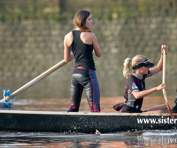We're not sure you remember this, but Kate Middleton was quite the athlete! Here's Kate with her rowing team - check out her toned shoulders!