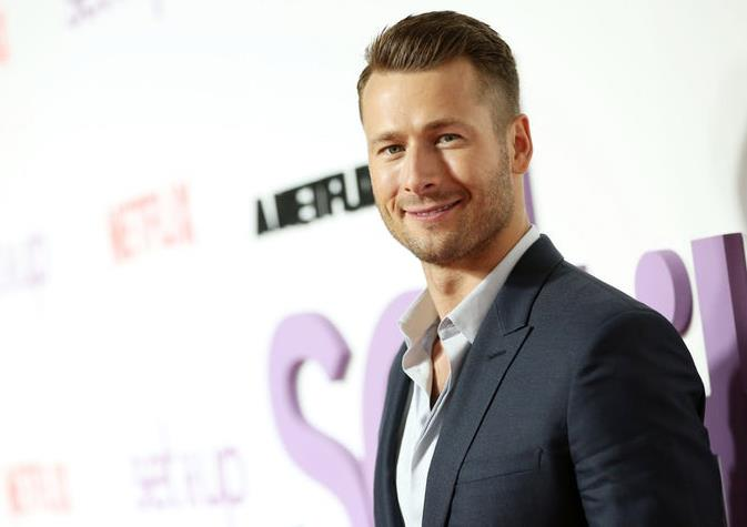 """**Glen Powell**  Netflix's *Set It Up* star Glen Powell [very publicly lost out to Miles Teller](https://www.indiewire.com/2018/07/glen-powell-reacts-losing-top-gun-maverick-role-miles-teller-1201980912/
