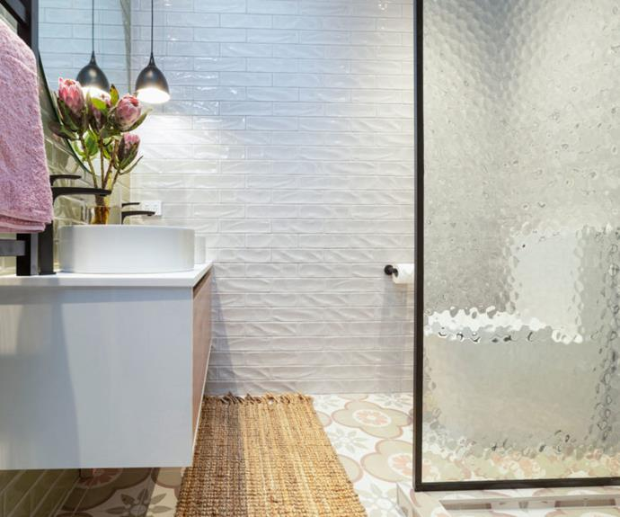 The judges loved the use of mottled glass for the shower. It creates privacy and also helps to bounce the light around the space.