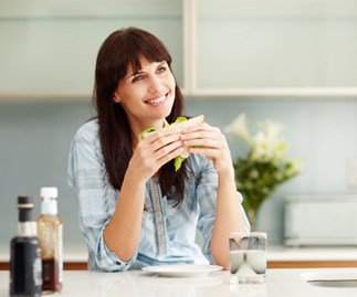 How mindful eating can help you lose weight and improve your health