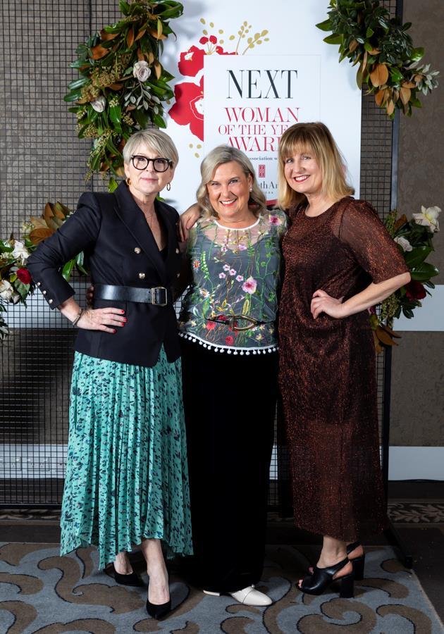 Pauline Hanton, Janine Bourke, Kim Blewett.