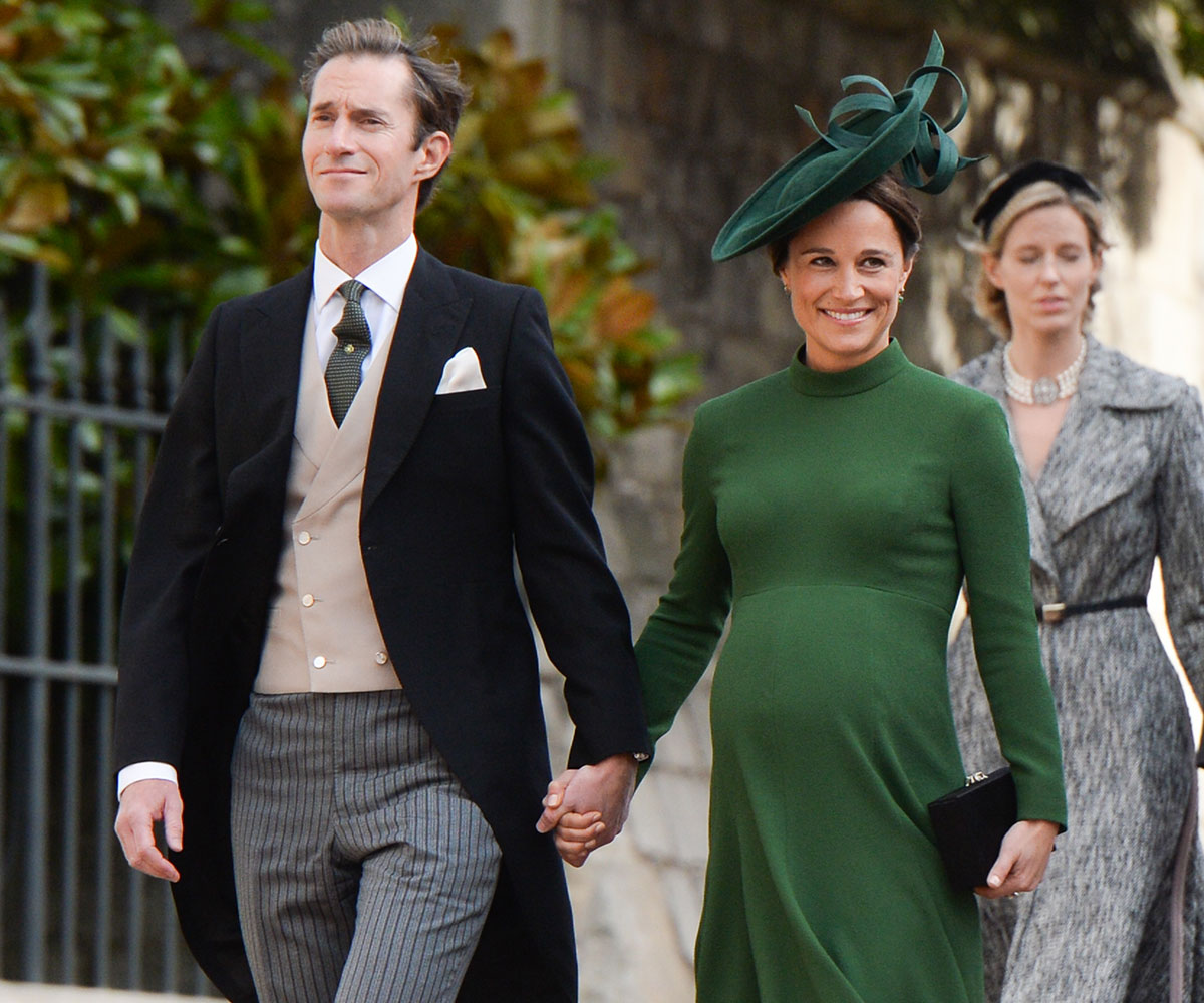 RoyalsHeavily pregnant Pippa Middleton has been spotted entering Lindo Wing with overnight bags!Could the baby be coming