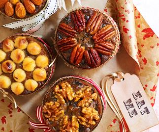 Make little gluten-free Christmas cakes for your family this season!