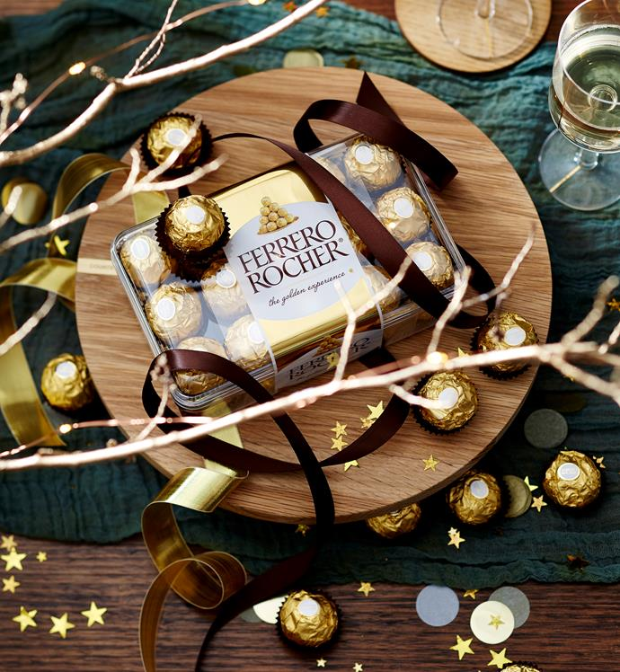 A festive table sprinkled with Ferrero Rocher magic will delight this Christmas