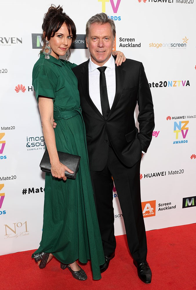 "800 Words stars Michelle Langstone and [Erik Thomson](https://www.nowtolove.co.nz/lifestyle/career/800-words-star-erik-thomsons-role-change-39614|target=""_blank"") were there for their last TV awards representing that show after the recent news it would not be renewed for another season."