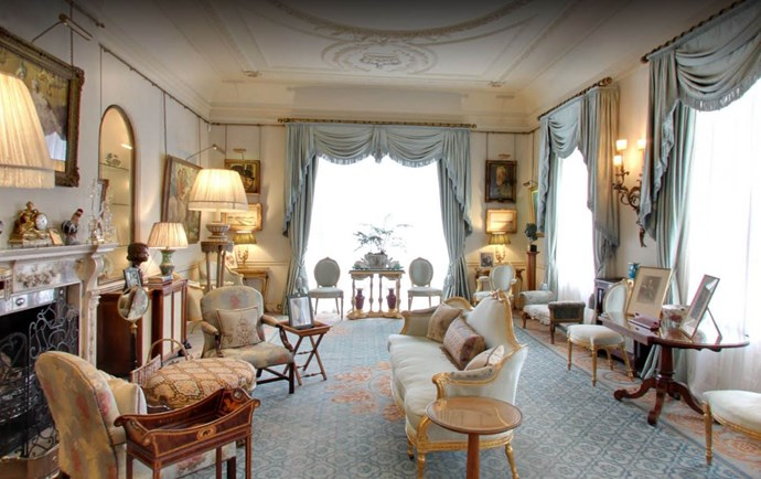 **The Morning Room.** This room was originally designed as the breakfast room.  Between 1949 and 1952, The Duke of Edinburgh used it as his study. The room is often used for official family portraits, and was recently the location for Prince Louis' christening portraits.