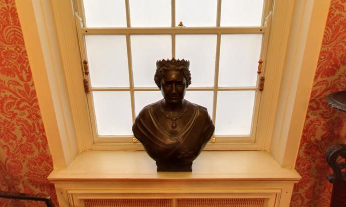 A bust of The Queen Mother sits opposite in an alcove off The Entrance Hall.