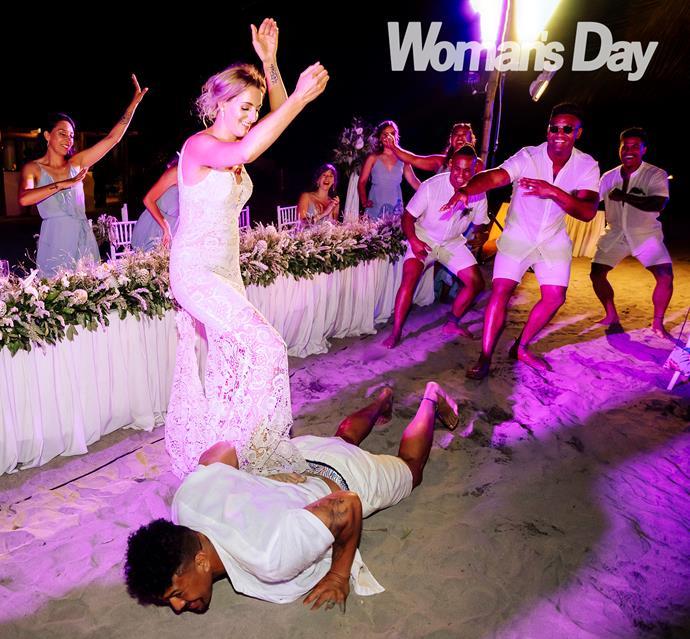 Saskia surprised her new husband with a traditional Samoan dance *Photo: Hollow Creative*