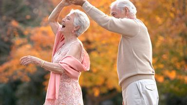 10 things that happy couples do every day