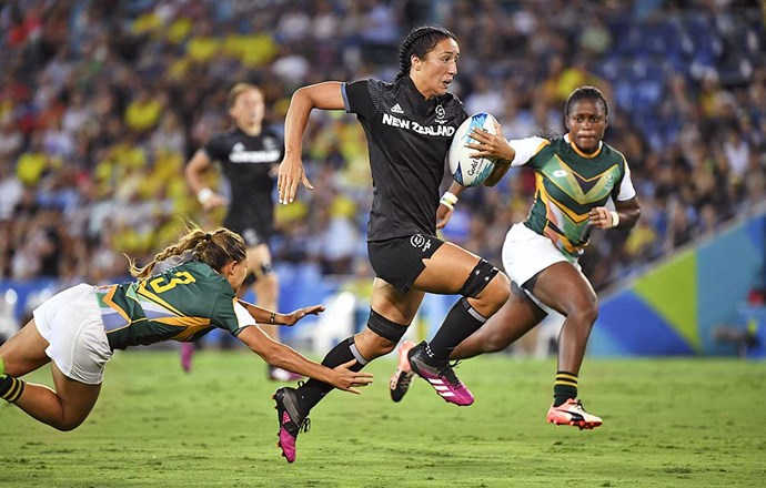 Sarah in action for the Black Ferns.